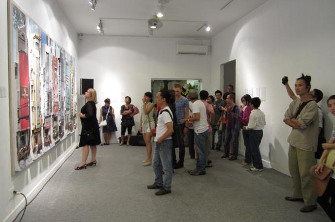 Nhà Mặt Phố at Cactus Gallery-2012