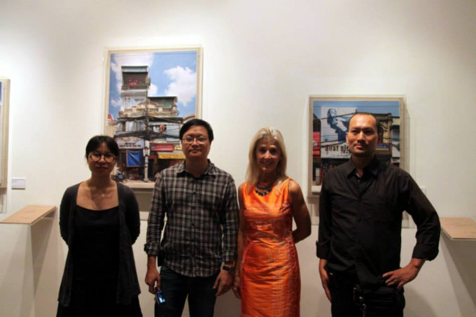 Nha Tay transforms Exhibition at manzi Art Space,Hanoi-2013