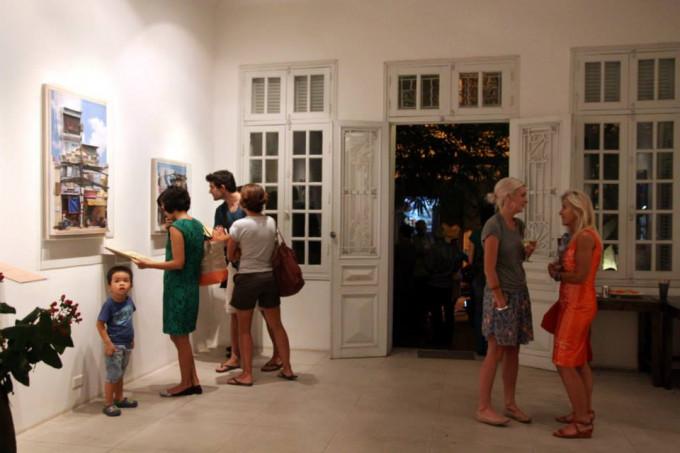 Nha Tay transforms Exhibition at manzi Art Space,Hanoi-2013