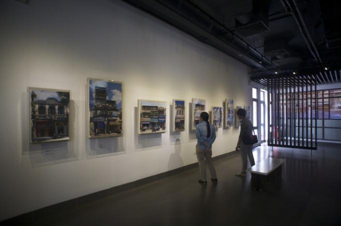Ha noi- A living museum-Hanoi Old Quarter Cultural Exchange Center 2015